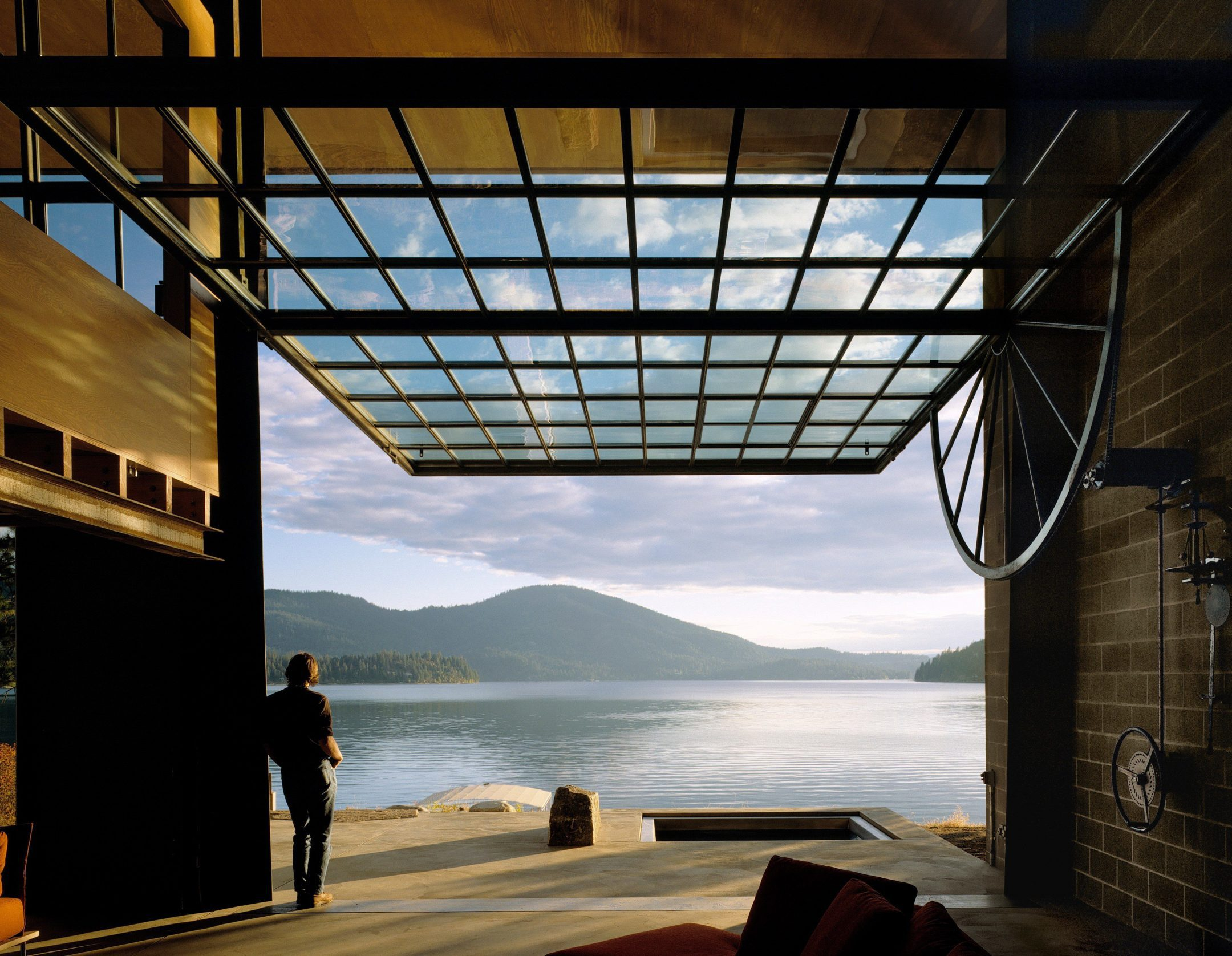 photo of Tom Kundig